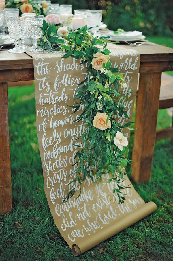 Ruffled - photo by http://www.arinabphotography.com/ - http://ruffledblog.com/soft-and-modern-wedding-inspiration