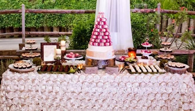 ladolceidea-san-diego-safari-wedding-dessert-table_1