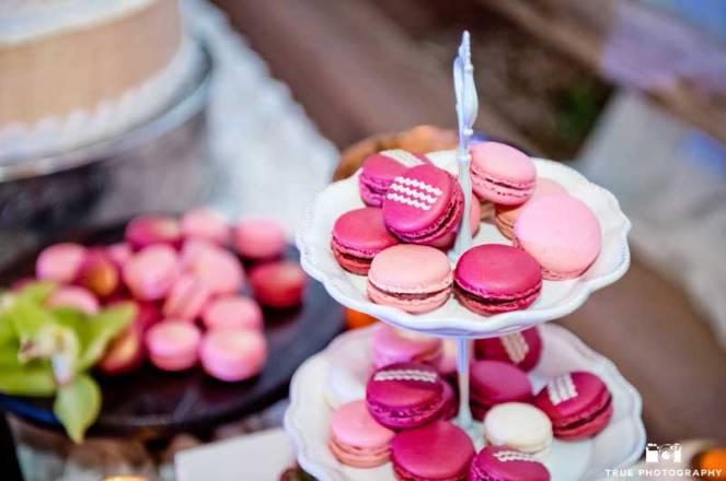 ladolceidea-san-diego-safari-wedding-dessert-table_9