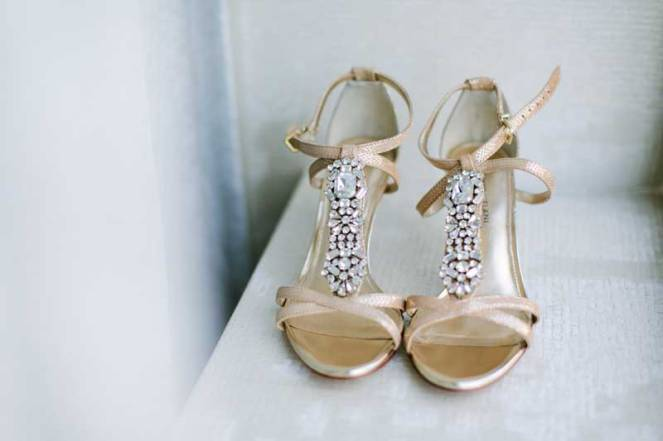 05-patricia-ivan-wedding-gold-crystal-shoes