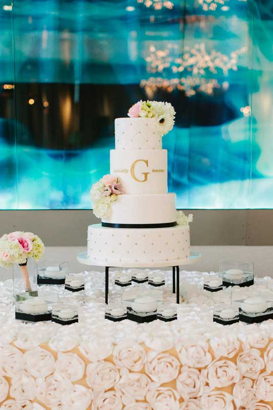 44-patricia-ivan-wedding-reception-cake-linen