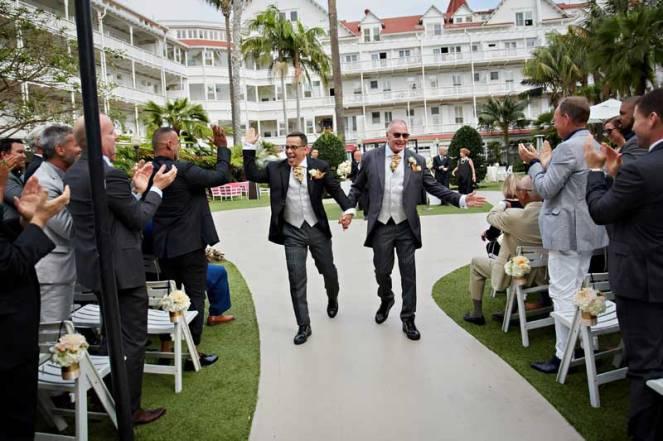 sabrina cadini la dolce idea weddings soirees same-sex wedding hotel del coronado san diego grooms ceremony garden outdoors planner