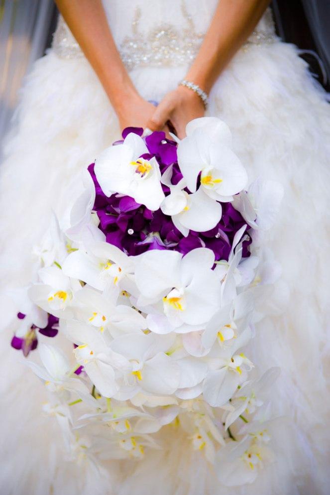 la dolce idea wqeddings soirees event design planning vibiana los angeles san diego luxury pentone color year 2018 ultra violet orchid bouquet bride purple